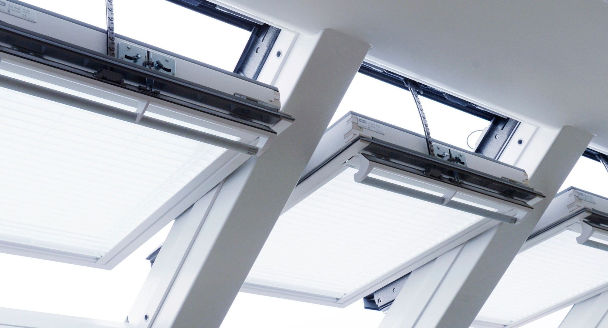 Celli ettore assistenza installazione lucernari e for Velux assistenza